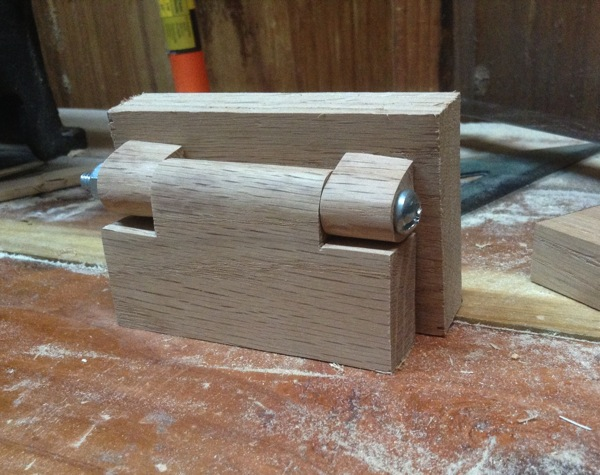Wooden butt hinge