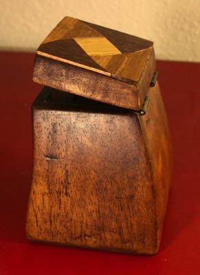 Box fin back side