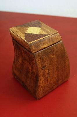 Box fin redback